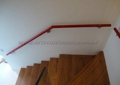 Corrimão de Parede Aluminio vermelho e suportes aço inox