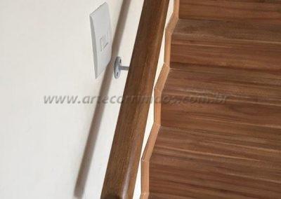 Corrimão de parede - Madeira baulado interno