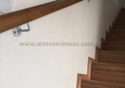 Corrimão de parede - Madeira sobrado interno