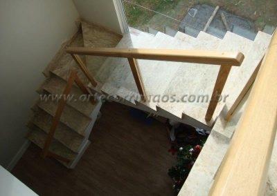 Guarda Corpo - Madeira - Vidro - Reto na escada