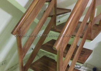 Guarda corpo - Madeira de escada