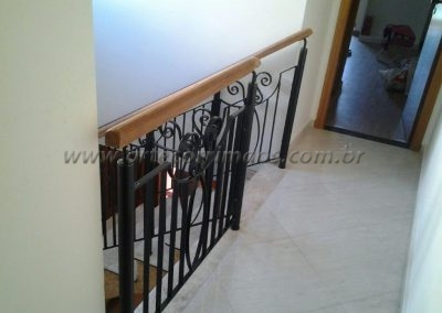 Guarda corpo ornamental com ornamentos