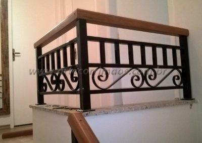 Guarda corpo ornamental topo de escada