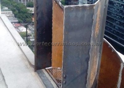 escada caracol de ferro predio em são paulo corrimão curvo de chapa