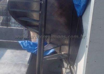 escada caracol de ferro corrimão curvo de chapa externa