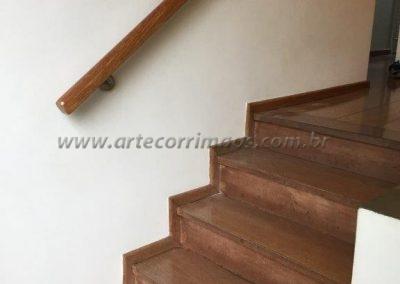 corrimão de parede de madeira