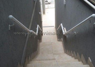 corrimão de parede externo em aluminio branco