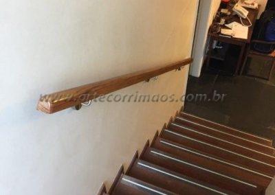 corrimão parede de madeira