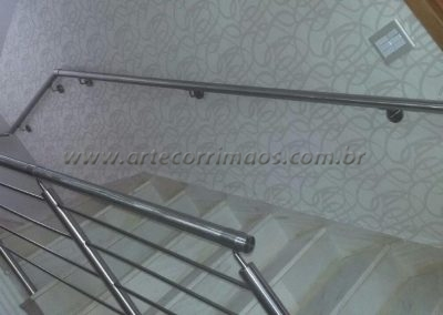 corrimao de inox na parede escada