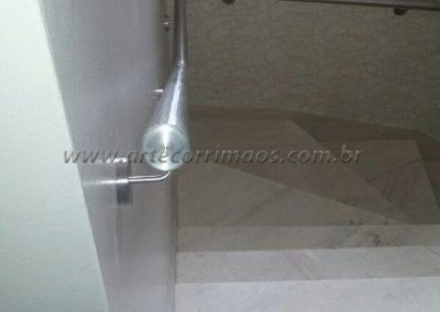 detalhe corrimao inox parede
