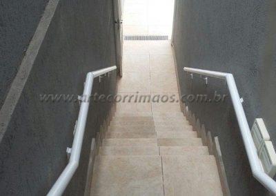 duplo corrimão de parede em aluminio branco