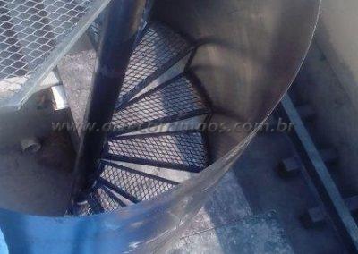 escada caracol de ferro preço