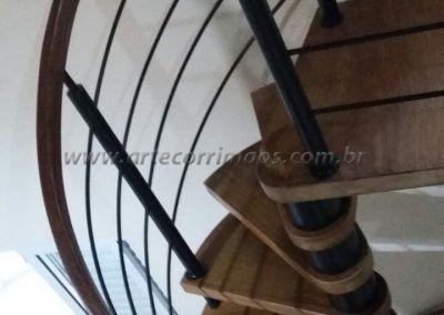 escada caracol de madeira e ferro onde comprar