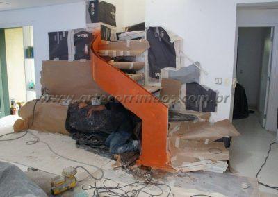 escada especial de madeira em curva