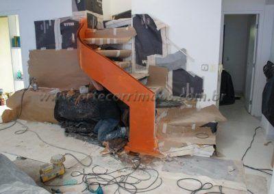fabrica de escada curva especial com guarda corpo de vidro curvo
