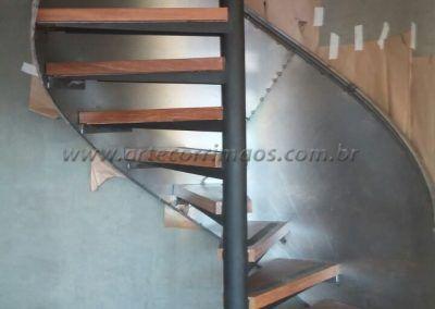 Guarda Corpo De Chapa De Aço Curva em escada caracol