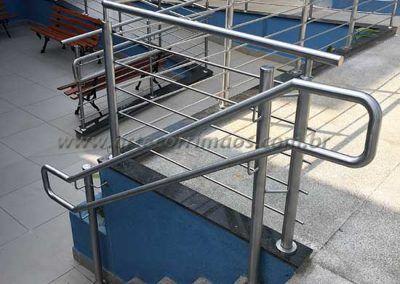 guarda corpo inox com fechamento em escada