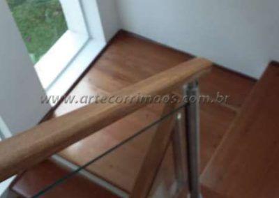Guarda corpo de aço inox vidro madeira