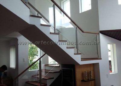Guarda corpo escada de aço inox vidro e madeira