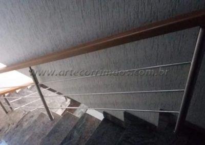 Guarda corpo inox 304, acabamento polido ou escovado e corrimão de madeira
