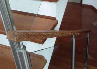 Guarda corpo inox vidro madeira