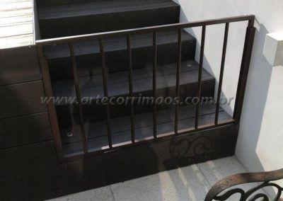 Portãozinho de alumínio com pintura eletrostática aço cortem