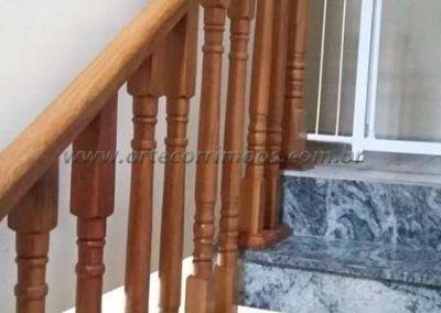 balaustre de madeira jatoba na escada guarda corpo