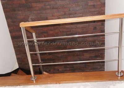 escada interna de ferro e madeira modelo u  inox