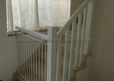 portãozinho para escada