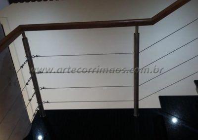 GUARDA CORPO INOX CABO DE AÇO E CORRIMÃO DE MADEIRA 2