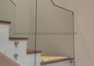 GUARDA CORPO VIDRO BOTÃO INOX PERFIL AÇO INOX EM CIMA 10
